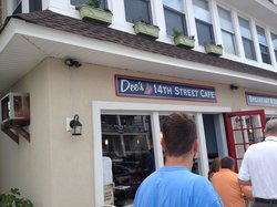 Dee's 14th Street Cafe