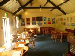 Tafarn Brynamlwg Tavern
