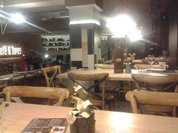 Cafe y Tapas