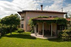 Domacija Feri Guest house