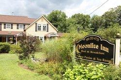 Moonlite Inn