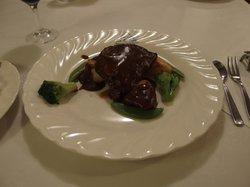 夕食のメインはサーロインステーキが基本ですが、2泊目はフィレになります。