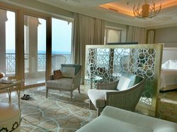 king deluxe with sea view and balcony