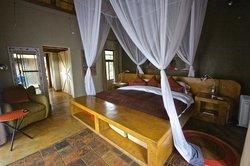 Bedroom (Chalet 4)