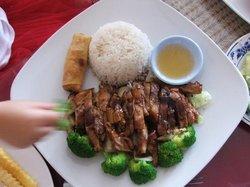 Noi Thai Kitchen Cuisine