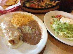Las Plazas Mexican Restaurant