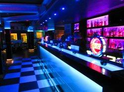 Montys Restaurant Bar