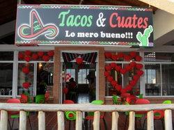 Tacos & Cuates