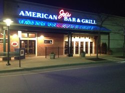 ‪Joe's American Bar and Grill‬