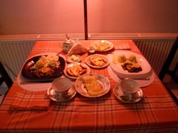 Dining area & breakfast for 2 persons