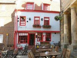 Arnies Restaurant