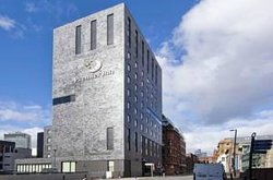 Premier Inn Manchester City Centre (Piccadilly) Hotel