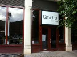 Smith's Bar and Grill