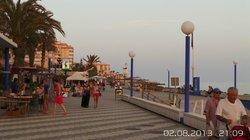 Promenade via the day
