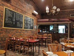 Mingo's Bar & Grill