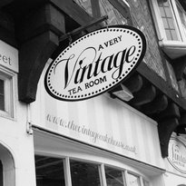 The Vintage Cake House