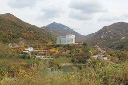 Cheongpung Hill