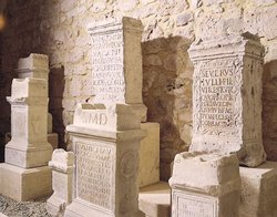 Le musee archeologique E. CAMOREYT & les III Salles
