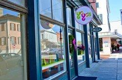 YoYo's Frozen Yogurt Shop
