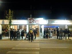 Art Deco' Cafe'