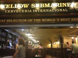 Yellow submarine cerveceria internacional
