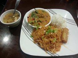 Mae Phim Thai Restaurant
