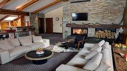 Presidential suite living room (74188476)