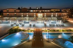 L'Araba Fenice Hotel & Resort