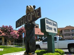 Vallejo Black Bear Diner