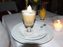 Lemon meringue sundae