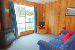Discovery Holiday parks Mornington Hobart: self contained cabins