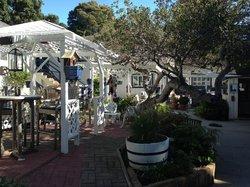 Lamp Lighter Inn & Sunset House Suites