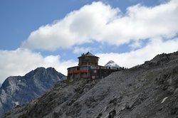 Albergo e Ristorante Tibet Hutte