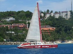 Dreamer Catamaran Cruises