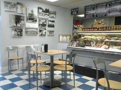 Calabash Deli Bakery & Gourmet Shop