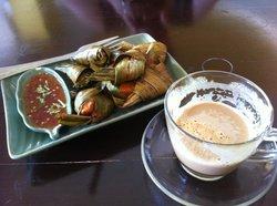 Kai Hor Bai Toey and coffee in the restaurant.