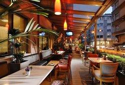 Niwa Cafe Bistro
