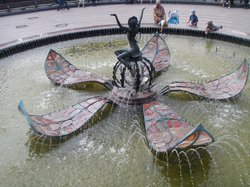 Thumbelina Fountain