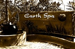 ‪Earth Spa Wellness Centre‬