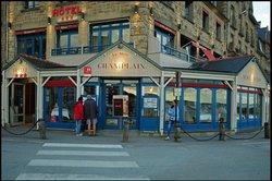 La Mere Champlain Hotel Restaurant