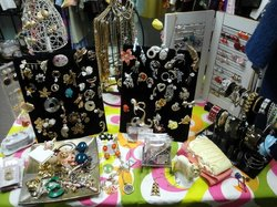 Phlopsey's Boutique for Vintage Divas