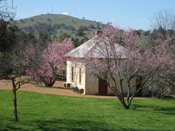 Cooma Cottage
