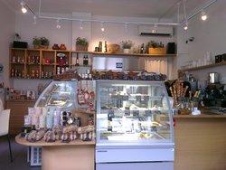 Gourmet Club Deli & Cafe