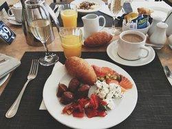 champagne breakfast.