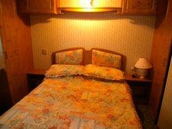 Super comfy & spacious bedroom