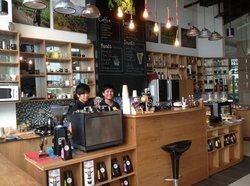 Shalom Coffee & Cocoa