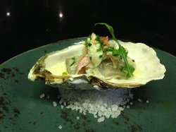 oyster i a prosecco beurre blonde