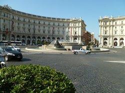 Piazza della Repubblica--subway stop so close to the hotel
