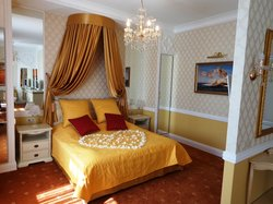 Newlyweds room