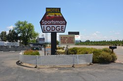 Sportsman Lodge